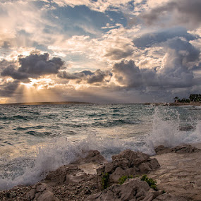 Game of waves by Tomaž Mikec - Landscapes Waterscapes ( clouds, water, adriatic, sky, waves, sunset, sunrays, sea, seascape, waterscapes, coast )