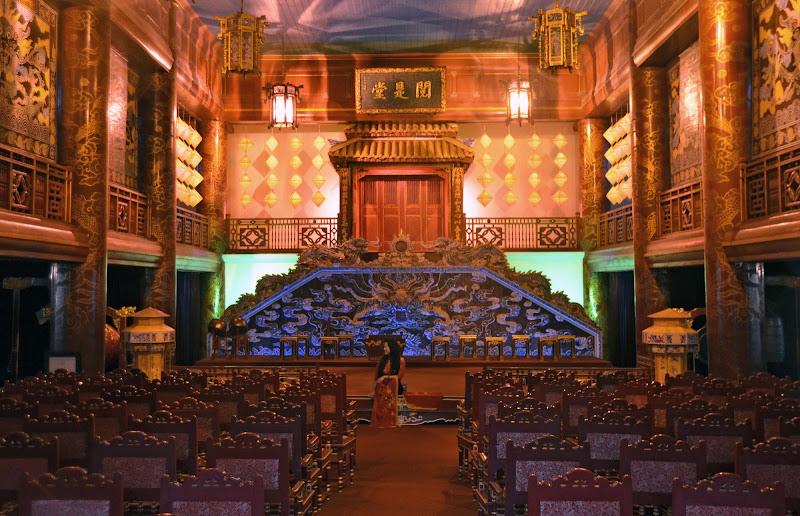 Sola a teatro di Migliu