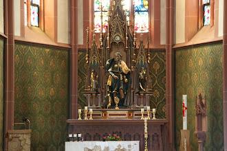 Photo: Hovedalteret i kirken