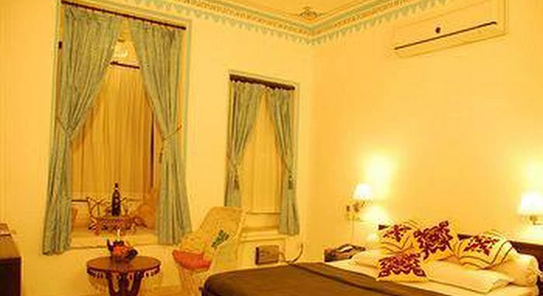 Hotel Mandiram Palace