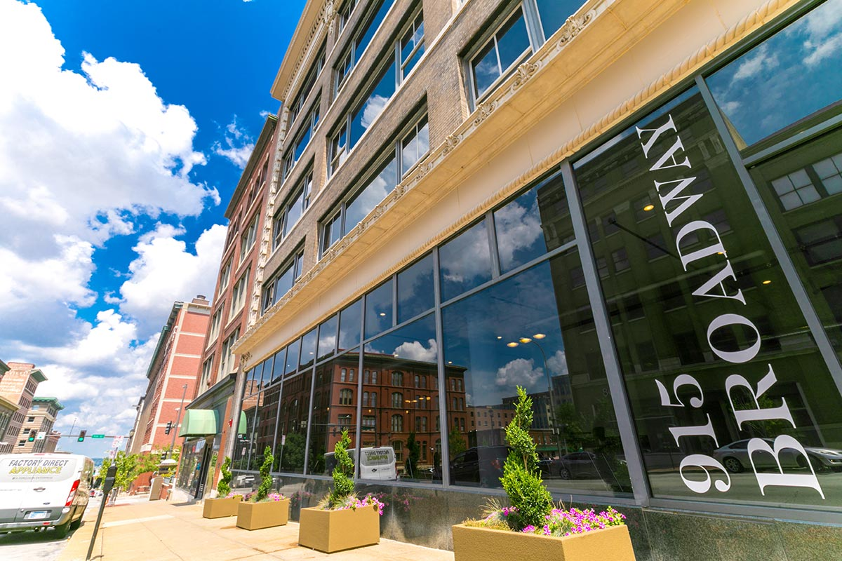 915 broadway apartments in kansas city missouri the - One bedroom apartments kansas city mo ...