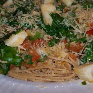 Colorful Tomato and Spinach Seafood Pasta