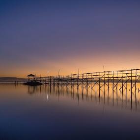 waiting for sunrise by Jan Robin - Landscapes Sunsets & Sunrises ( nature, lines, seascape, sunrise, landscape )