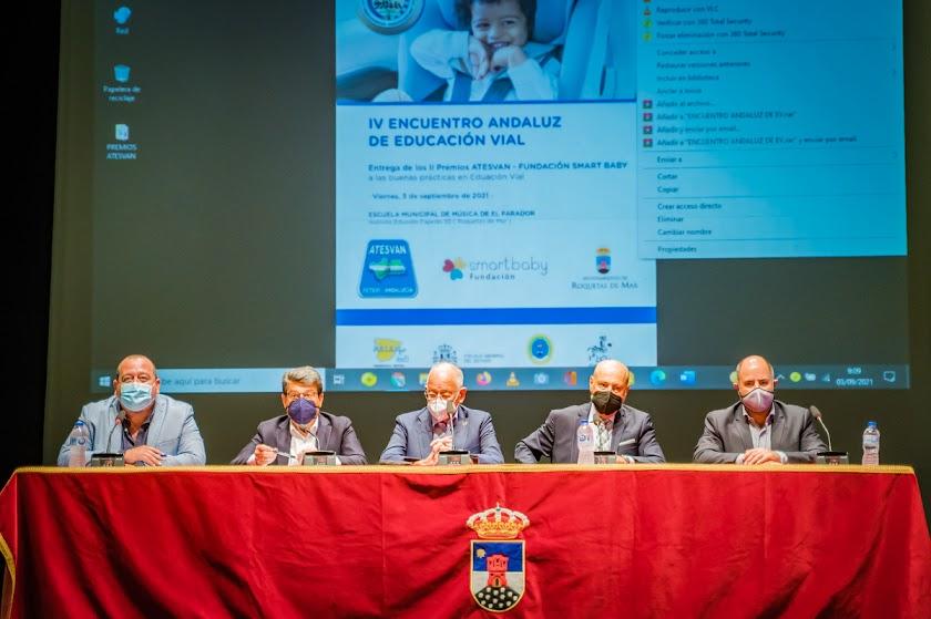 Analizan los retos de futuro de la movilidad en Roquetas
