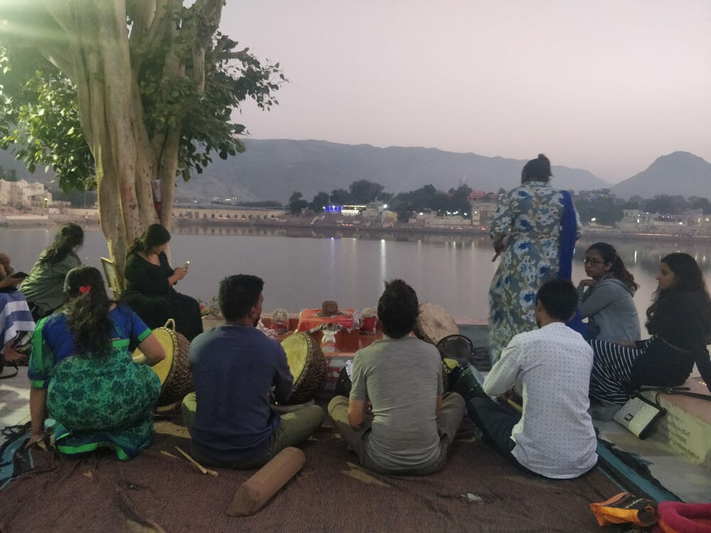musicians+pushkar+ghat+rajasthan