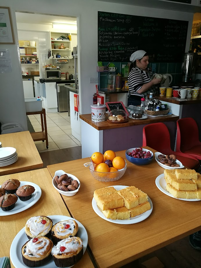 Transition Cafe sai alkunsa yhteisön halusta vaikuttaa ruokahävikkiin.