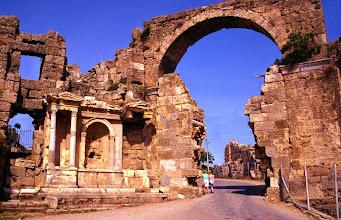 Photo: Sidé, l'entrée de la ville