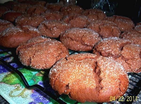 Delicious Molasses Crinkles