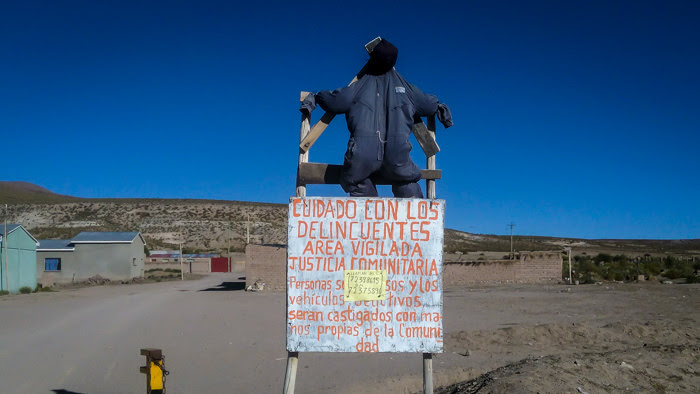 we saw this sign warning the tourists against the thieves as we entered the Atacama desert in Bolivia. Is bolivia safe to travel cannot be understood by just one sign.