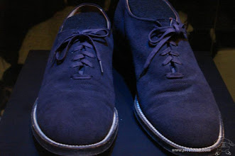 Photo: Dit zijn ze dan: de 'Blue Suede Shoes'