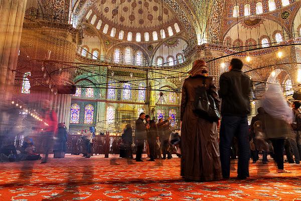 Inside Blue Mosque di nicolapezzatini