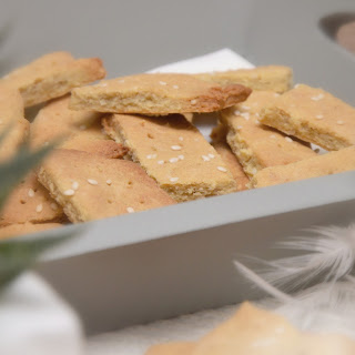 Glutenfree Crackers With Sesame Seeds