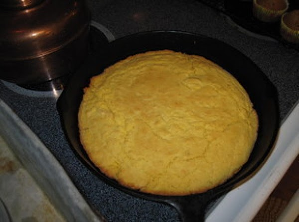 http://www.justapinch.com/recipes/bread/savory-bread/southern-cornbread.html?p=84 I normally make the cornbread the night before and turn it out into...