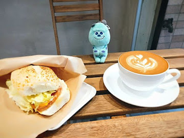 HWC黑沃咖啡-台北馬偕店