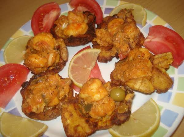 Fried Green Plantains Stuffed With Shrimp, Tostones Rellenos Con Camaron