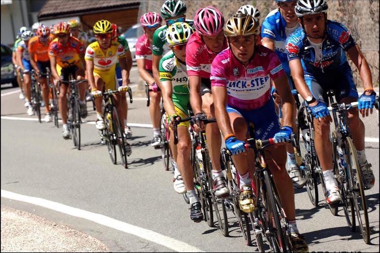 """Bettini denkt terug aan rollercoaster van emoties: """"Veel klassiekers gewonnen, maar niets weegt op tegen Giro"""""""