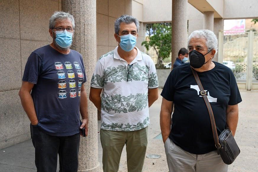 El actor Jesús Herrera y los fotógrafos Pepe Jiménez y Carlos de Paz, de Colectivo Desencuadre.