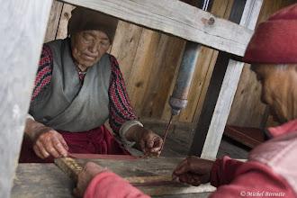 Photo: Nawar Gompa, fabrication de bâtons d'encens