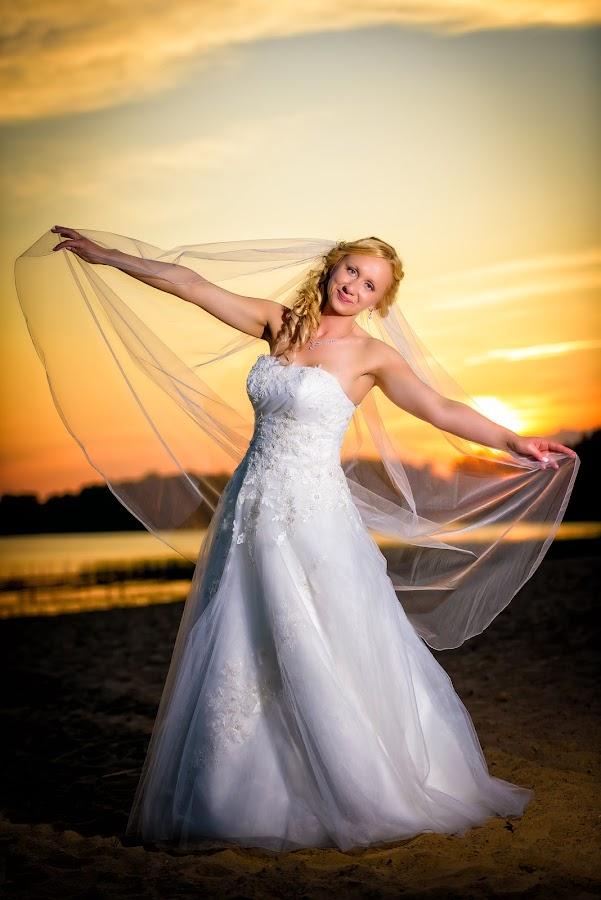 Bride dancing at sunset by Pawel Czaja - Wedding Bride ( wedding, sunset, bride )