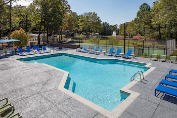Go to Inverness Cliffs Apartments website