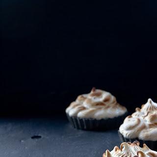 Chocolate Cheesecake Coffee Meringue Tarts