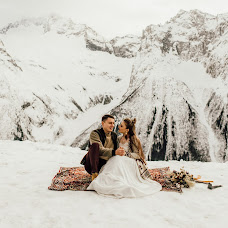 Wedding photographer Sasha Sych (AlexSich). Photo of 13.02.2018