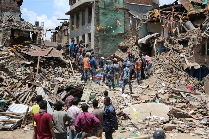 【ネパール地震】震源近く、立ちすくむ村 8歳娘、目の前で失う