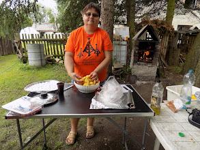 Photo: příprava oběda venku