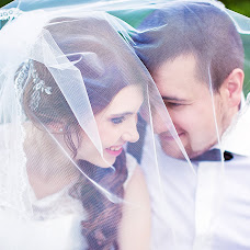 Wedding photographer Lena Bulycheva (Bela). Photo of 28.02.2016