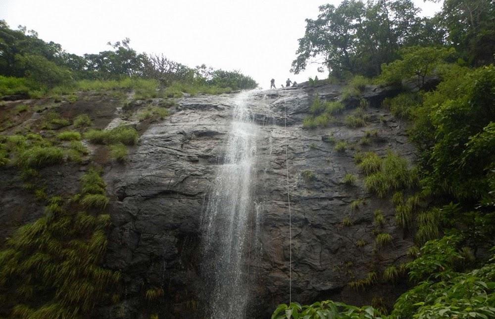 best-thrilling-activities-india-waterfall-rappeling-lonavala_image