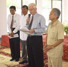 Photo: Mr. Geoff  Rider and His Excellency, Mr. Pok Sam Ell, Secretary of State for the State Secretariat of Civil Aviation