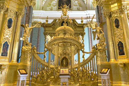 saints-peter-and-paul-cathedral-sanctuary-detail.jpg - Detail of the iconostasis in Sts. Peter and Paul Cathedral in St. Petersburg, Russia.