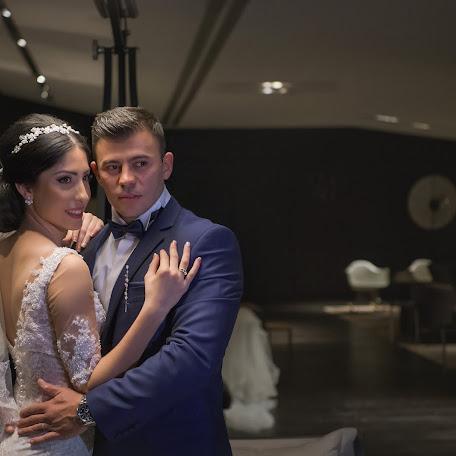 Wedding photographer GIANNIS THEODOSIADIS (GIANNISTHEODOSI). Photo of 13.11.2017
