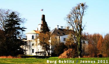 Photo: In Karstorf betreibt Joachim von Müller, Erbherr auf Detershagen und Hanshagen eine Glashütte, versteht aber wenig von moderner Landwirtschaft und verkauft das Gut im Jahre 1791 an den Baron Hans von Labes (1763 –1831),  genannt Graf Schlitz.