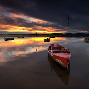 The-Red-Boat_950.jpg
