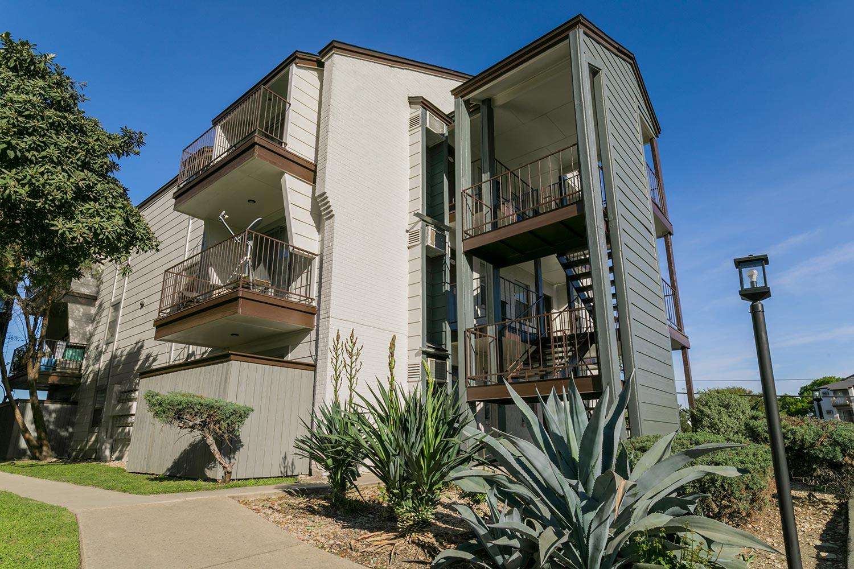 Soap Factory Apartments In San Antonio Texas The Barvin