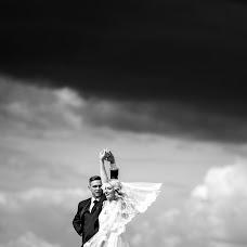 Wedding photographer Laurynas Butkevicius (LaBu). Photo of 10.12.2018