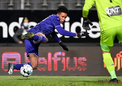 Anderlecht heeft probleem op posities waar ze overvloed dachten te hebben: spelers uit vorm, tactisch te weinig en niet op hun plaats