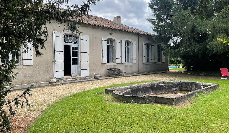 Maison avec piscine et jardin Servanches