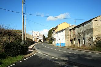 Photo: Bergondo, lugar de Miodelo. Estrada AC-161, dirección Bergondo, Cruce de San Cidre. (2012)