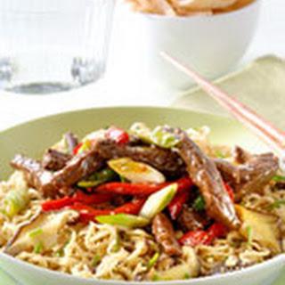 Japanse wok noedels met Beef Teriyaki en paprika