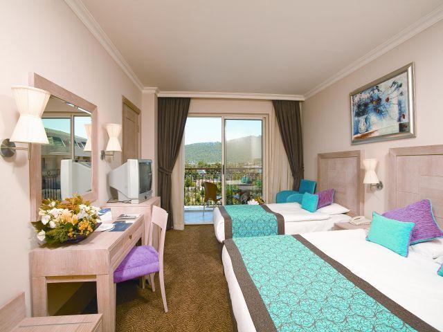 Photo: Crystal Hotel Kemer twin room