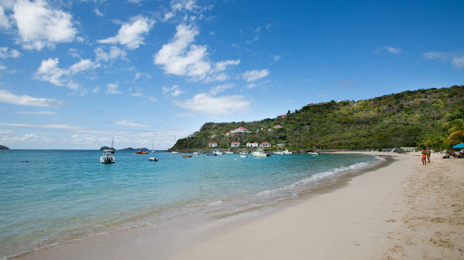 st-jean-beach-st-barts-1.jpg - A look at St. Jean Beach, a 15-minute ride from the cruise pier in Gustavia.