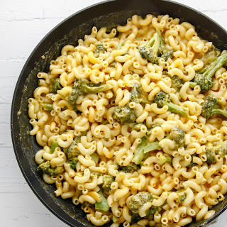 One-Pan Broccoli Cheddar Mac and Cheese