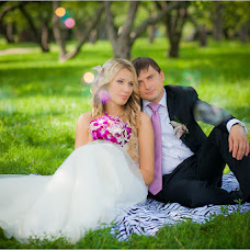 Wedding photographer Yana Polyakova (JANA001). Photo of 08.02.2014