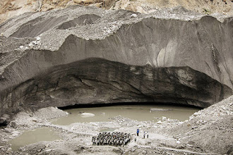 Photo: Indian army soldiers returning from the border posts get a briefing at the Siachen base camp. (AP)