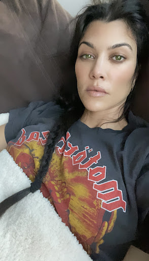 Kourtney Kardashian Looks Like A Completely Different Person! Is Her Wild New Look For Travis Barker??