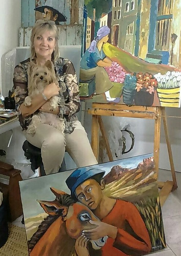 Caroline Vorster is one of the artists taking part in the CWAA Acqua fundraiser Art is a Favour