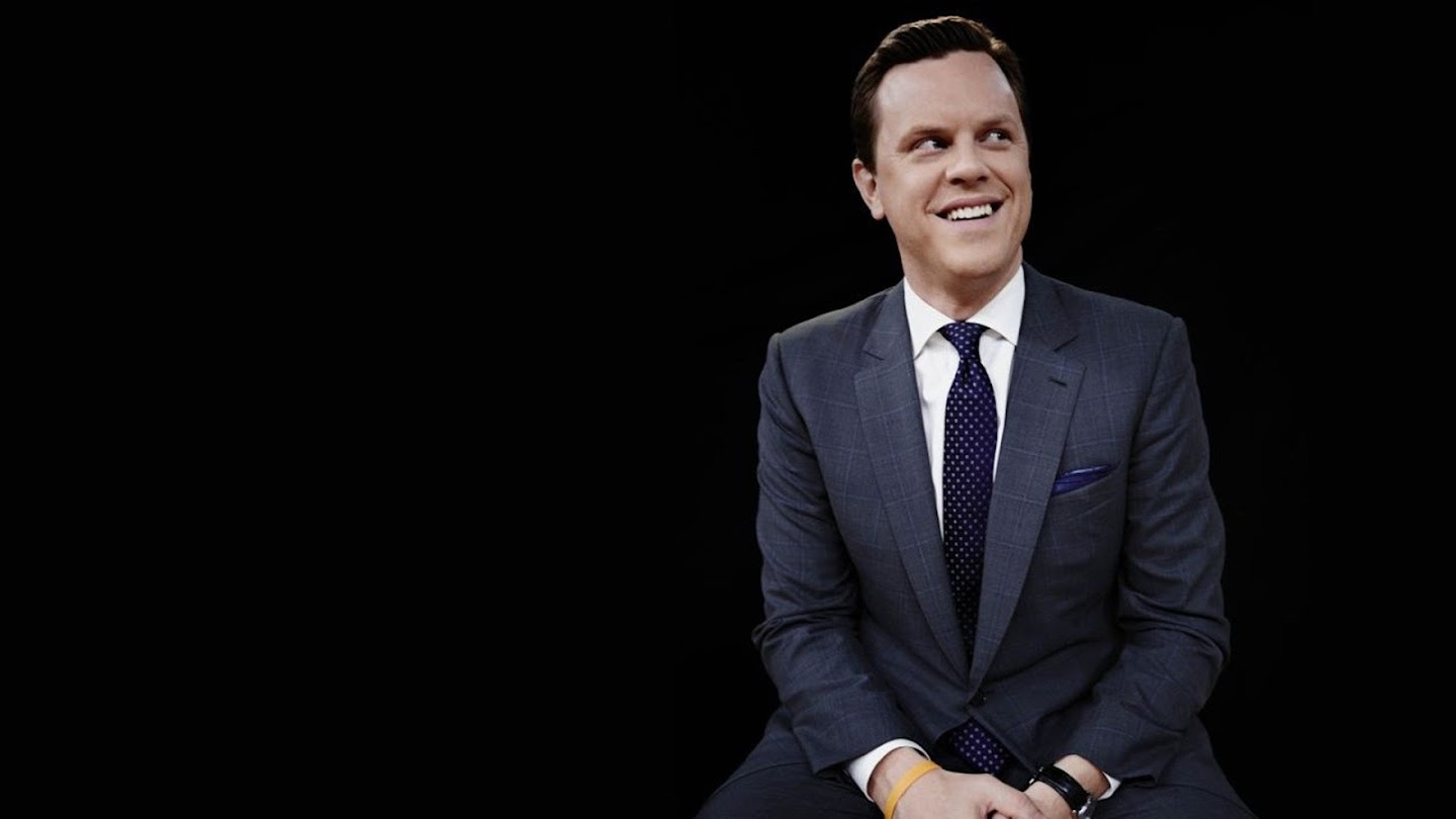 Watch Homecoming with Willie Geist live