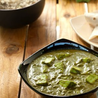 Spinach and Cottage Cheese gravy - Palak Paneer.